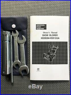 HONDA 32 HSS1332AATD SNOWBLOWER, track drive, low usage, electric start