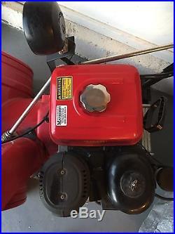 Honda Hydrostatic Track Snowblower HS928 28 with light kit